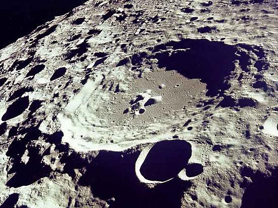 Китайский луноход уличил лунный грунт в неоднородности