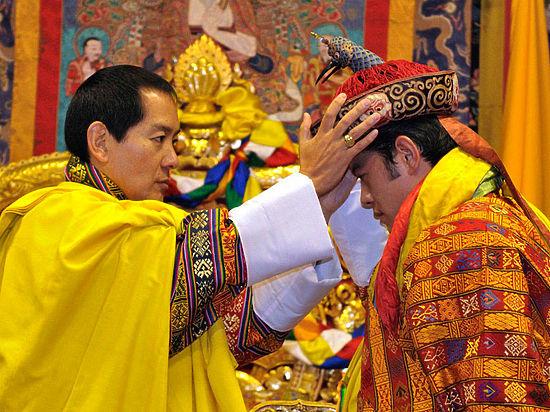 Крымский песок для короля Бутана