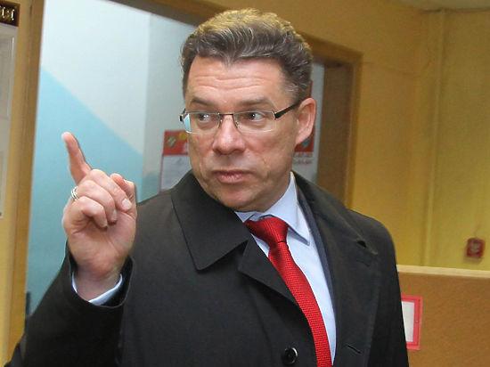 Олегу Шахову дали шесть лет условно за хищение 100 млн рублей, выделенных на строительство дороги Москва-Санкт-Петербург