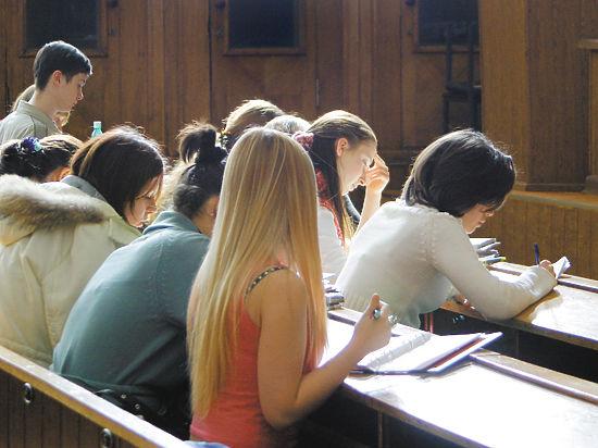 Минобрнауки будет отслеживать качество набора в университеты