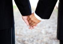 Парламент Греции разрешил гомосексуалистам  заключать договор сожительства