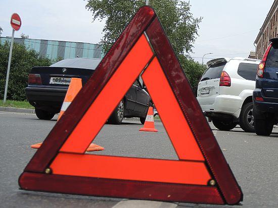 """По одной из версий, именно """"Жигули"""" вневедомственной охраны нарушили правила и выскочили на перекресток"""