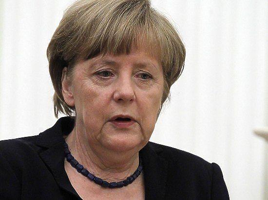 Путин рассказал, как напугал Меркель до полусмерти своей собакой