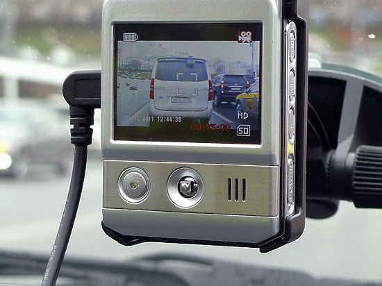 Российскую границу запретят пересекать с включенным видеорегистратором