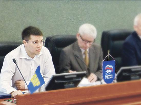 Депутат с «клубничкой»  Сергей Пирожников