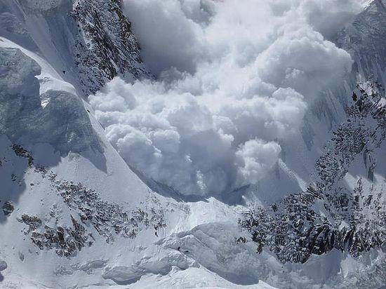 Очередной сход лавины унес жизни четверых лыжников