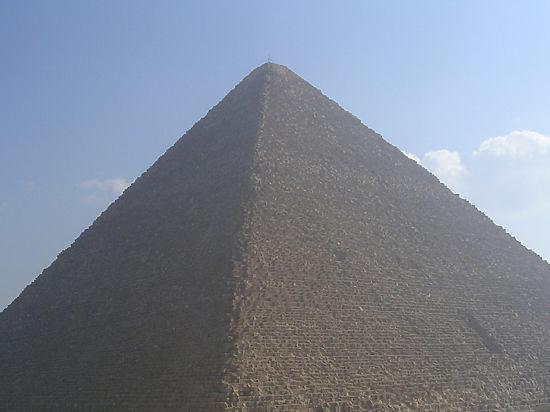 Частицы из космоса в египетских пирамидах поведают об их строительстве