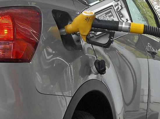 Бензин в США уже в разы дешевле, чем в России