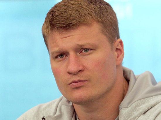 Специалист также помогал Денису Лебедеву и Александру Шлеменко