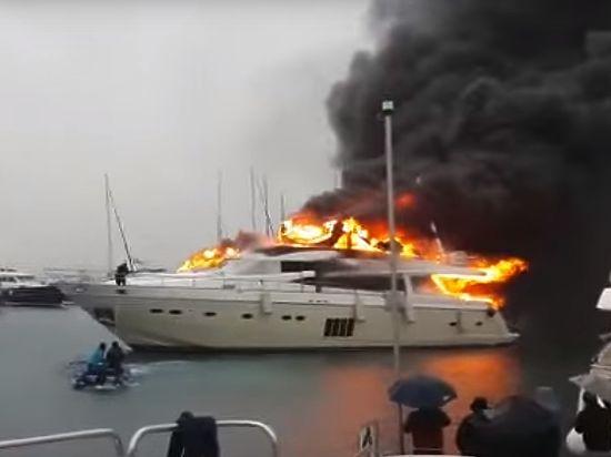 В турецком порту сгорела яхта российского олигарха за $6 млн