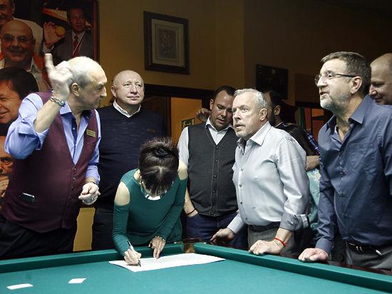 Клуб «Кино» отметил юбилей за бильярдным столом