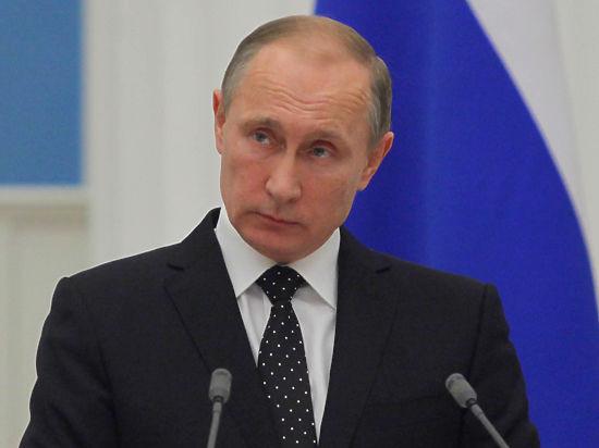 Путин объяснил, почему хранит партбилет, и попросил не хоронить Ленина