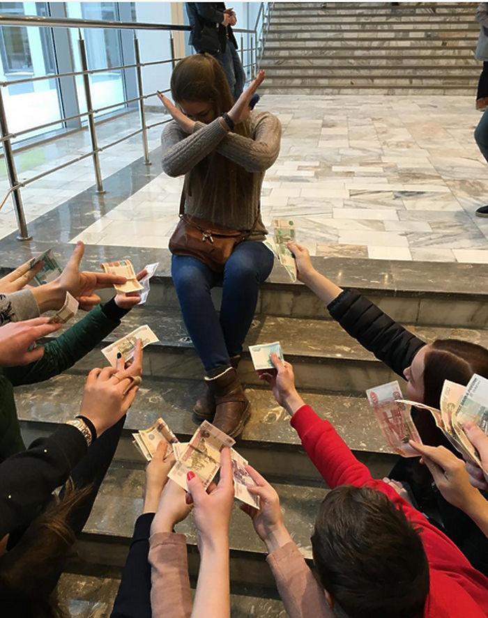 Российские студенты в соцсетях хвалятся, как прилично отмечают Татьянин день