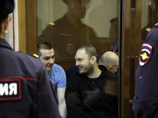 Судей, помогавших коррупционерам из ГУЭБиПК, попросили привлечь к ответственности