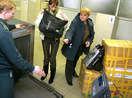 Главному таможеннику РФ понравилась идея вскрывать посылки на границе