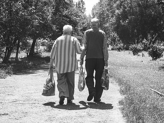 Постояльцы домов престарелых будут получать лишь треть своей пенсии