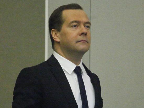 Медведев пообещал, что квартплата не будет расти более, чем на 4 процента в год