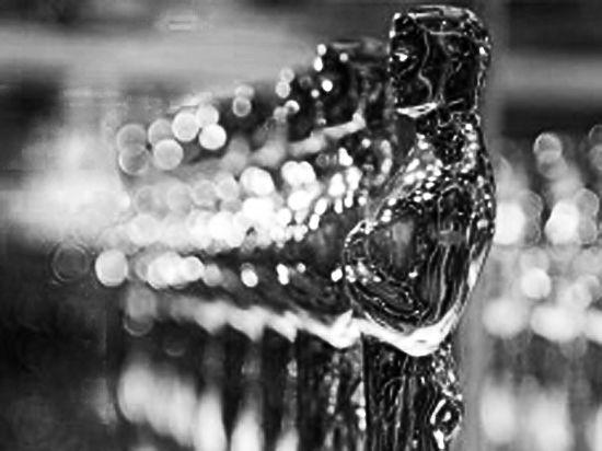 Тень червонного золота на белой статуэтке «Оскара»