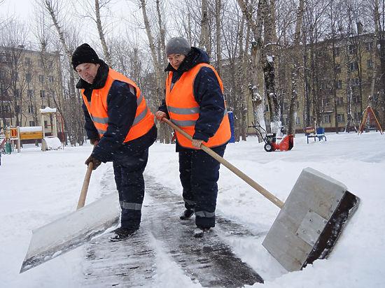 А если «уличное» предприятие закрылось из-за холодов, сотрудники получат 2/3 зарплаты