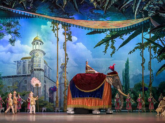 «Кремлевский балет» представил публике свою версию балета «Баядерка»