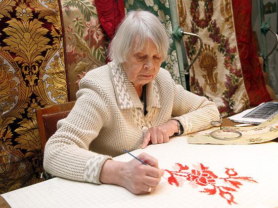 В Москве работает единственная в мире мастерская старинных тканей