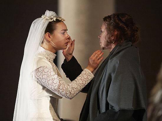 В Театре Маяковского сыграли премьеру о Льве Толстом
