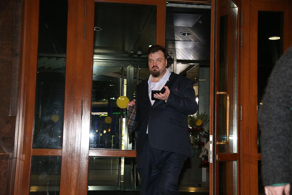 Собчак, Хабенский и другие звезды посетили премьеру «День выборов 2»