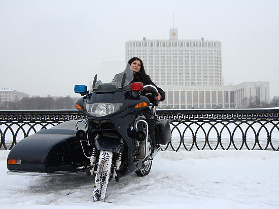 Репортер «МК» провел один день с двухколесным эскортом Президента