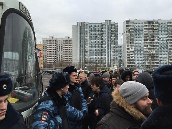 Полиция забрала противников точечной застройки в