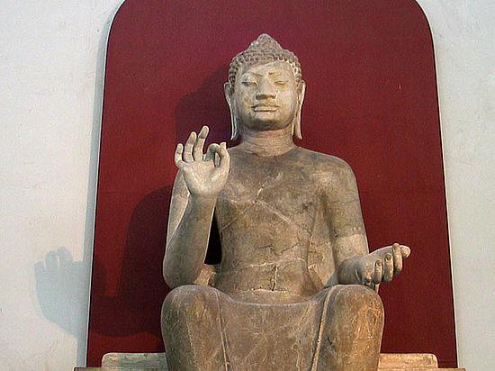 Власти нашли новый самострой: буддистский монастырь, но не могут туда попасть