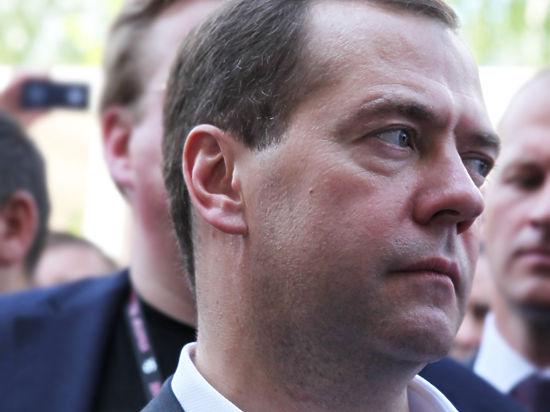 «Справедливая Россия» пообещала собрать 10 миллионов подписей за отставку председателя правительства