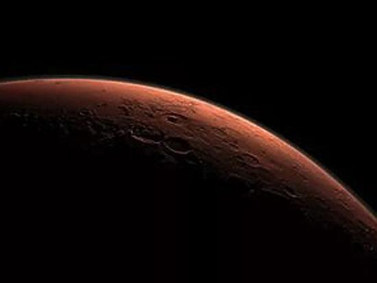 Планетологи нашли на Марсе потенциально обитаемые озера