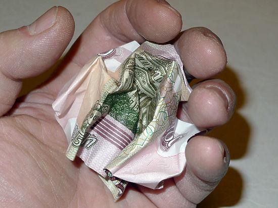 ЦБ и Минфин рассказали о возможности новой девальвации рубля