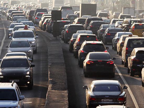 Водителей заставят заменить полисы ОСАГО с 1 июля