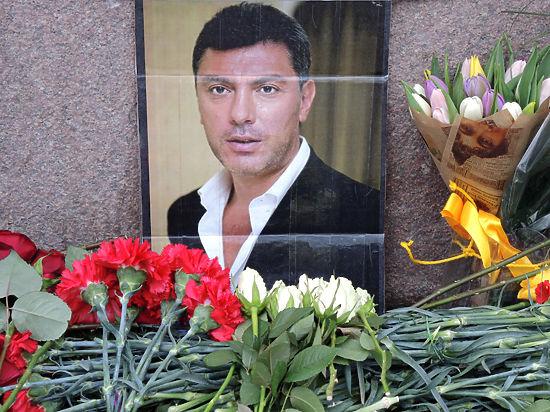 В Нижнем Новгороде визит Касьянова вызвал беспорядки, разгромлен мемориал Немцова