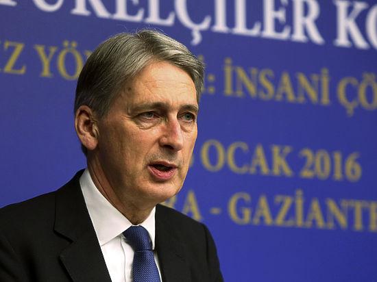 Британский министр отметил, что Россия должна использовать свое влияние