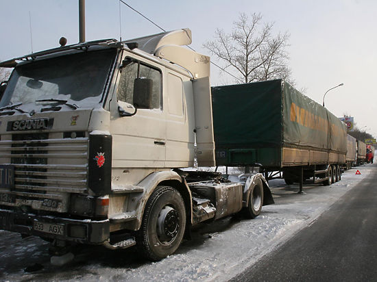 Минтранс ответил «зеркально»: Россия заблокировала украинские фуры