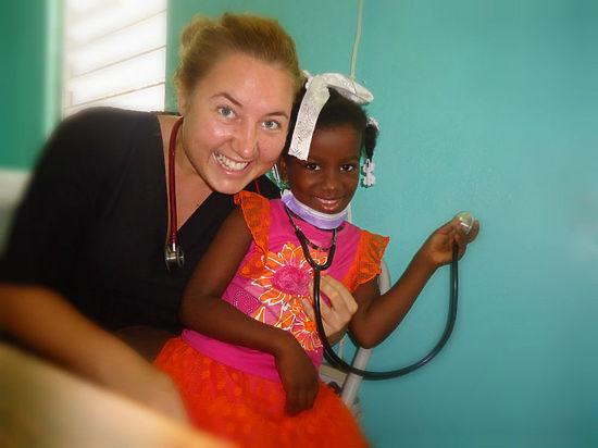 Уфимка уехала в Гватемалу бесплатно лечить бедняков