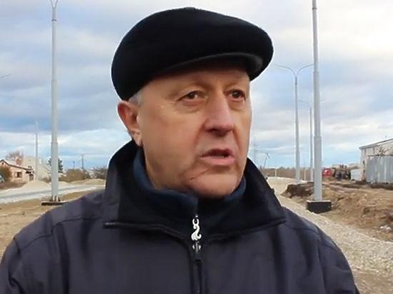 Саратовский губернатор потребовал начать выпуск iPhone7 на заводе холодильников