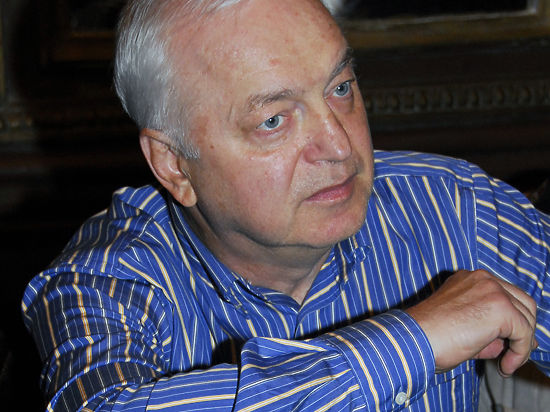 Бард Сергей Никитин упал с крыши, когда любовался Луной