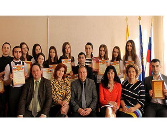 В филиале Президентской академии прошли межвузовские студенческие научные слушания