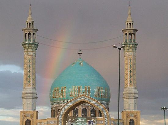 Иран вместо Египта: загорать в хиджабах и без спиртного