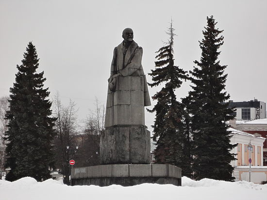 Утепленный Ленин: из истории самых советских памятников Петрозаводска