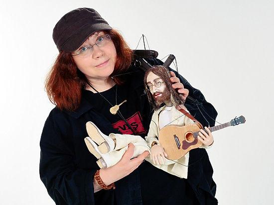Джон Леннон стал куклой, а Юрий Гальцев - царем