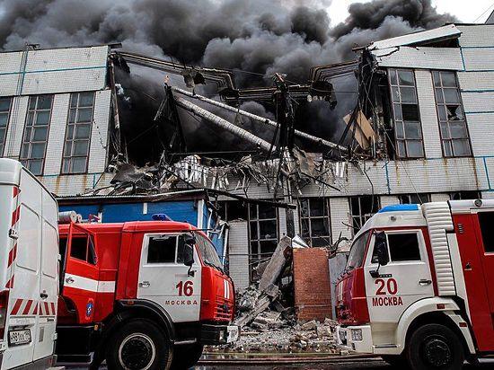 С пожарами в Москве борются настоящие профессионалы