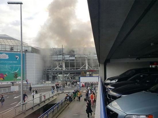 Теракт и паника: в аэропорту Брюсселя прогремели два взрыва