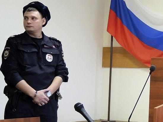 Строже аэропорта: журналисты рассказали о беспрецедентных мерах на процессе Савченко
