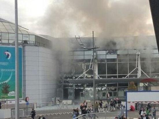 В здании терминала прогремели два взрыва