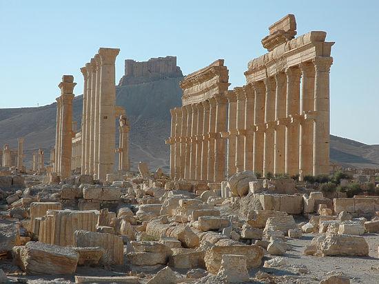 После вандалов ИГИЛ разрушенную Пальмиру надо уберечь от вандалов-реставраторов