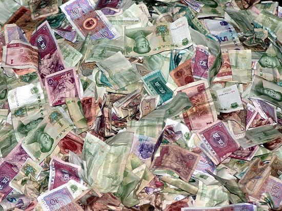 Деньги портят: как богатство меняет отношение мужчины к женщине